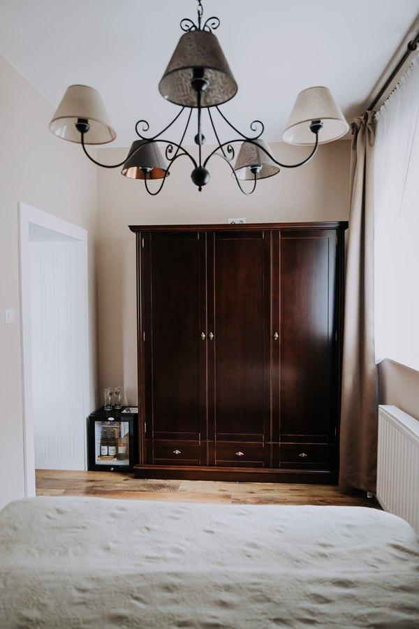 Pokój dwuosobowy z salonem